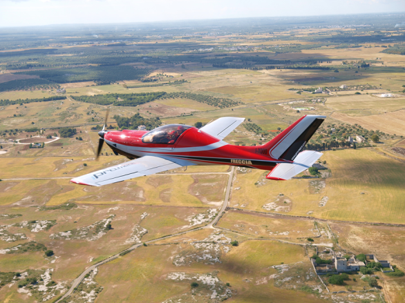 Aerei Da Caccia Ad Elica : Quando volare significa tecnologia meccanica news